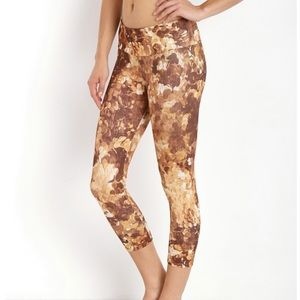 Onzie gold coin leggings XS